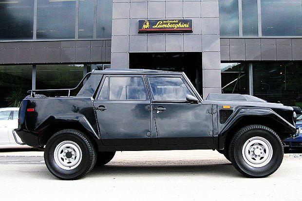 Z pierwszym prototypem Lamborghini wystartowało w przetargu US Army. Zlecenie na budowę aut dla wojska otrzymał AM General z modelem HMMWV
