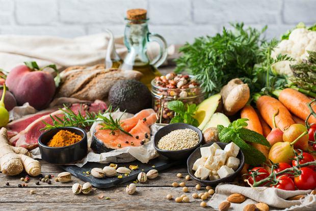 Dieta 8 godzin (16 godzin postu) - na czym polega, jakie są jej zasady?