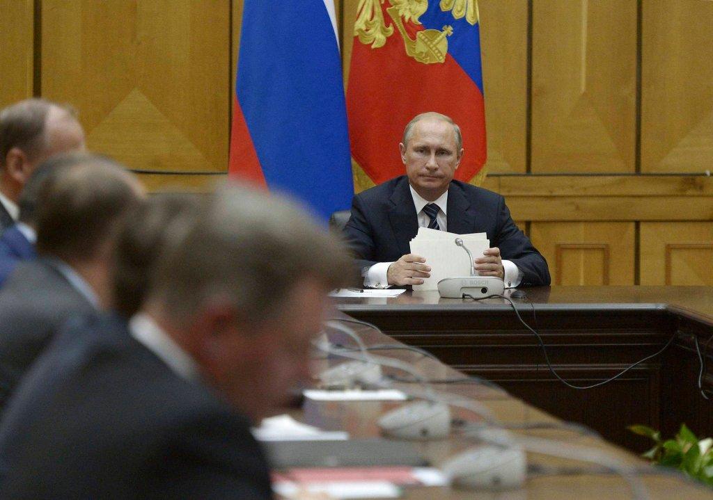 Putin na spotkaniu z członkami Rady Bezpieczeństwa FR na Krymie