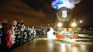 Lokomotywa pod stadionem Lecha Poznań 'ożyła' z okazji 97. rocznicy powstania Kolejorza