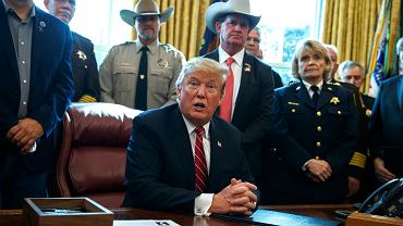 Donald Trump ogłasza weto