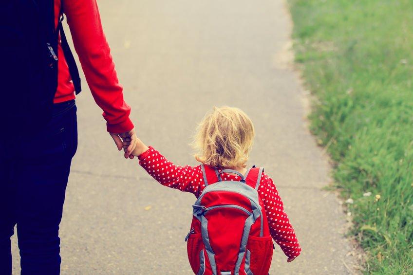 Dzieci zdolność do ufania innym - w tym szkole - wynoszą z domu