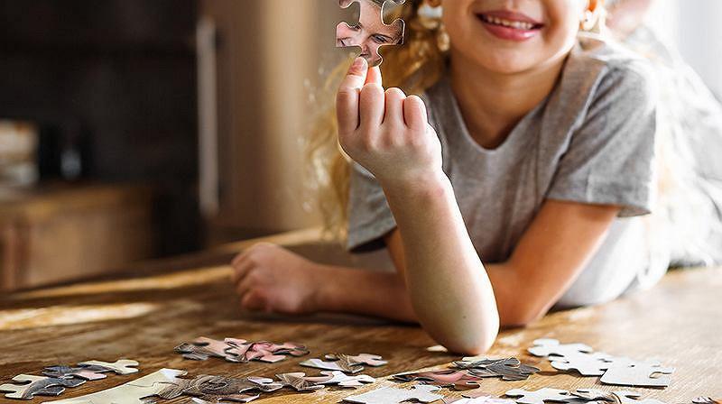 Puzzle to świetny sposób na domową aktywność całej rodziny.