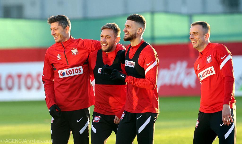 Robert Lewandowski, Maciej Rybus, Mateusz Klich i Kamil Grosicki na treningu reprezentacji Polski, 22 marca