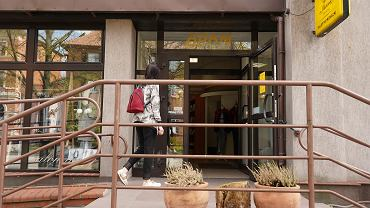 Sklep Adam w Olsztynie otwarty po całkowitym zamrożeniu gospodarki po wybuchu epidemii koronawirusa