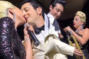 Lady Gaga i Brian Newman całują się na scenie