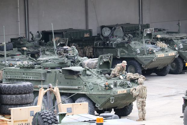 Baza dla choćby jednej brygady US Army to konieczność pomieszczenia ponad tysiąca pojazdów
