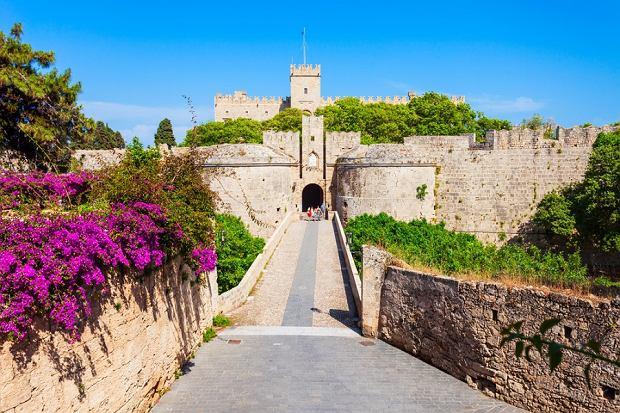 Poznaj uroki Grecji i postaw na Kos, Kretę lub Rodos! Plażowanie i zwiedzanie to przepis na udany urlop