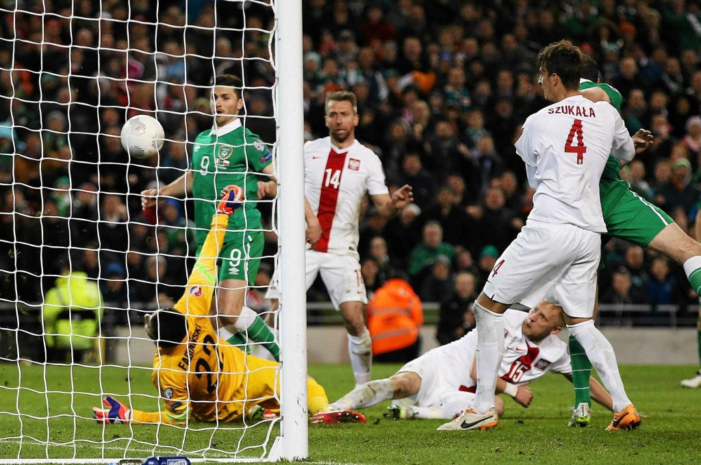 Łukasz Fabiański w meczu z Irlandią
