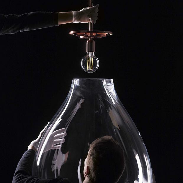 Gigantyczna lampa Bomma