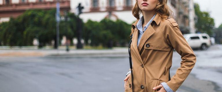 Jaki trencz wybrać na jesień? Przedstawiamy ponadczasowe modele tego płaszcza