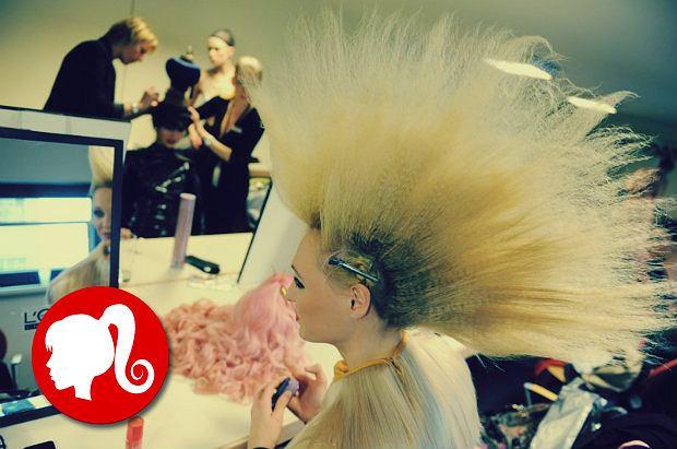 Twoje włosy puszą się i elektryzują? Sprawdź czy nie popełniasz jednego z tych błędów