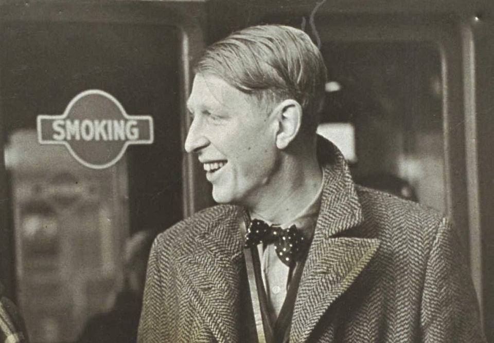 1 Września 1939 Wiersz Wystana Hugha Audena