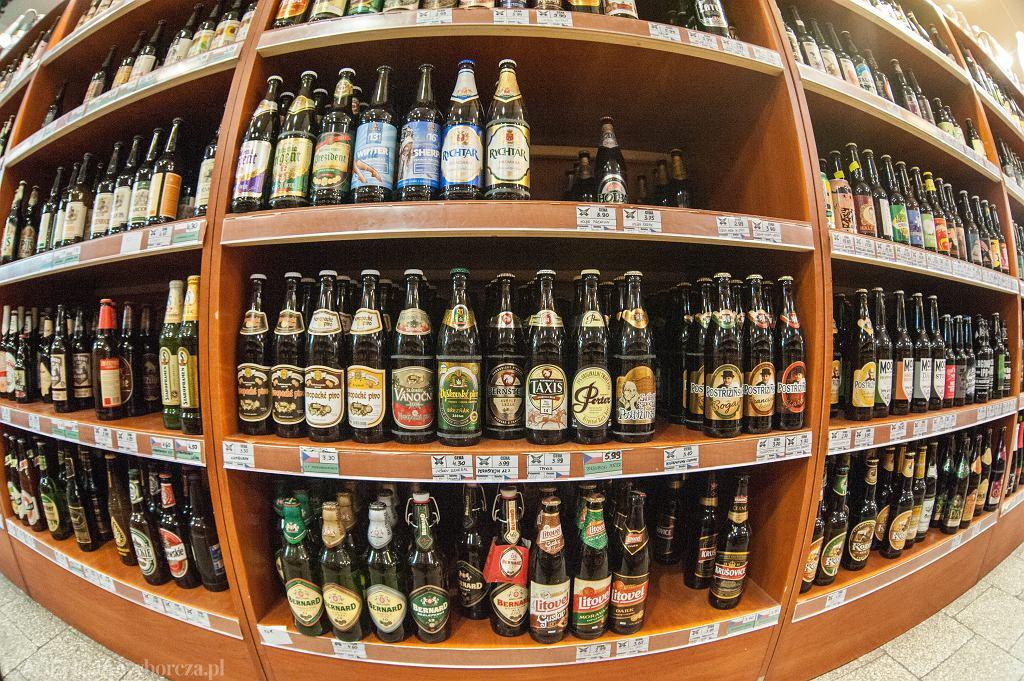 Sklep pełen piwa