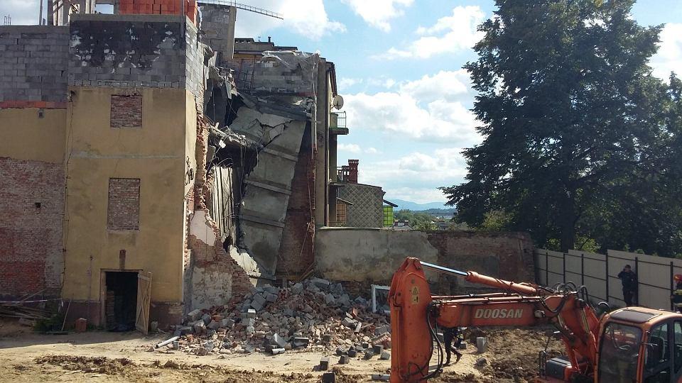 Zdjęcie numer 10 w galerii - Katastrofa budowlana w Bielsku-Białej. Zawaliła się część kamienicy