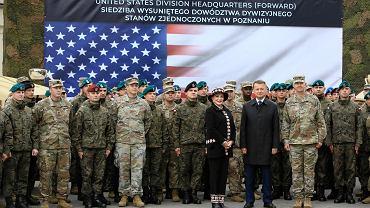 Inauguracja działalności Wysuniętego Stanowiska Dowodzenia Amerykańskiej 1 Dywizji Piechoty z udziałem ministra obrony Mariusza Błaszczaka, ambasador USA Georgetty Mossbacher  i generała Joe Jarrarda