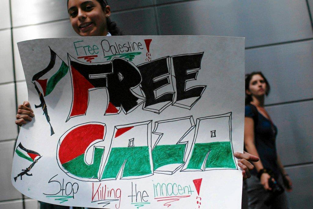 Demonstracja Palestyńczyków w Nowym Jorku przeciwko działaniom Izraela w Gazie