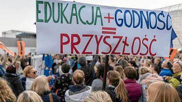 Strajk włoski nauczycieli. Co to oznacza dla uczniów i rodziców? Czy szkoły będą działać?