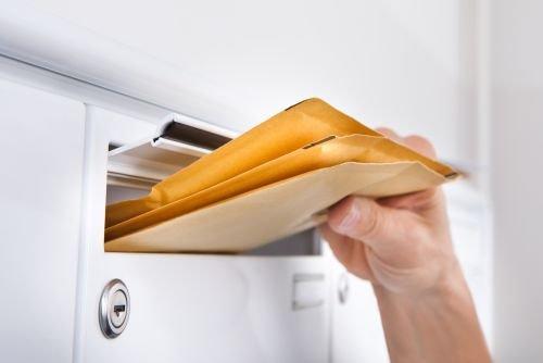 Organ administracji publicznej lub samorządowej będący stroną postępowania zobowiązany jest dostarczyć pismo w sposób określony w przepisach Kodeksu Postępowania Administracyjnego.