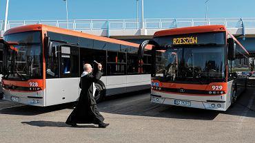 Poświęcenie nowych autobusów w Rzeszowie