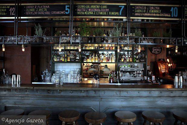 Zdjęcie numer 8 w galerii - Ten lokal specjalizuje się w koktajlach z rumu i daniach kuchni karaibskiej
