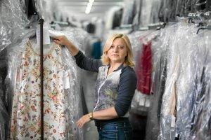 Właścicielka firmy Bialcon: Kupujemy coraz gorszej jakości ubrania. Nawet Chiny stają się za drogie