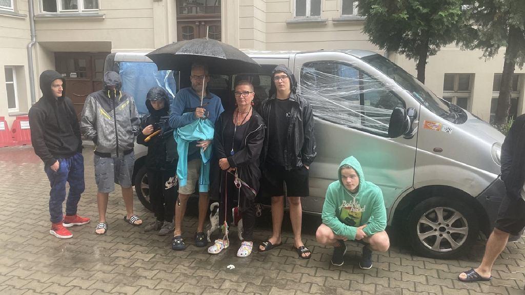Zniszczono samochód należący do rodzinnego domu dziecka