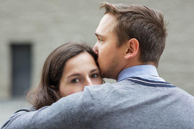 'Mój partner nie był tak przekonany do zabiegu jak ja - mówił, że nieważne, czy chore, czy zdrowe, będzie je kochać tak samo mocno' (fot: Shutterstock.com)