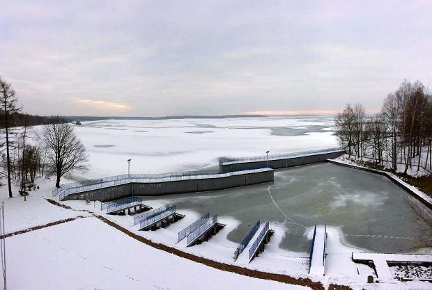 Zdjęcie numer 0 w galerii - Jezioro Goczałkowickie zamarza.