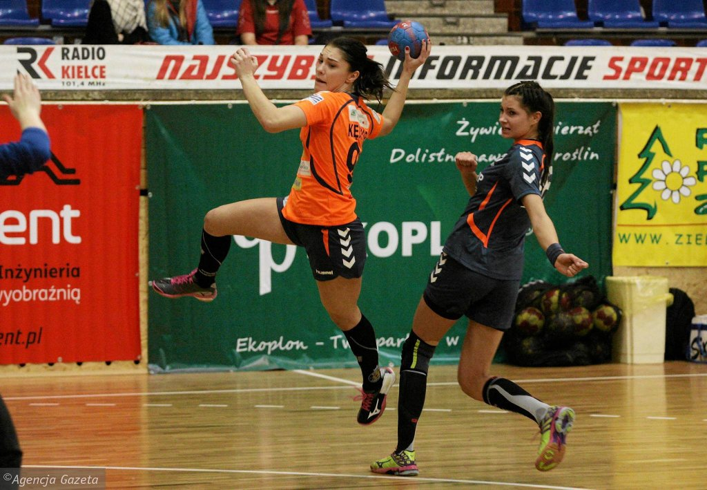 Magdalena Kędzior podczas meczu Korona Handball - SMS ZPRP Płock
