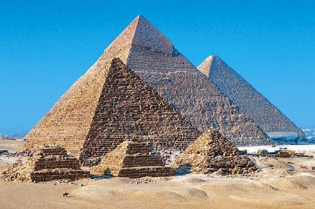 Odkryj najstarsze budowle na świecie - Piramidy w Gizie, które przerwały do dziś