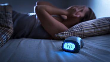 Masz problem z zasypianiem? Zacznij ćwiczyć w ten sposób i po problemie