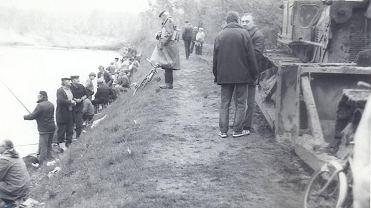 Zawody wędkarskie na otwarcie sezonu w roku 1988 na Rybaczówce w Sosnowcu