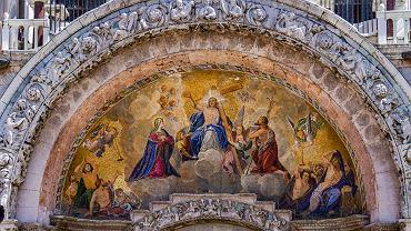 Teocentryzm często był ukazywany w postaci sądu ostatecznego. Bazylika świętego Marka w Wenecji, główny portal z mozaiką. Zdjęcie ilustracyjne, Goran Bogicevic/sutterstock.com