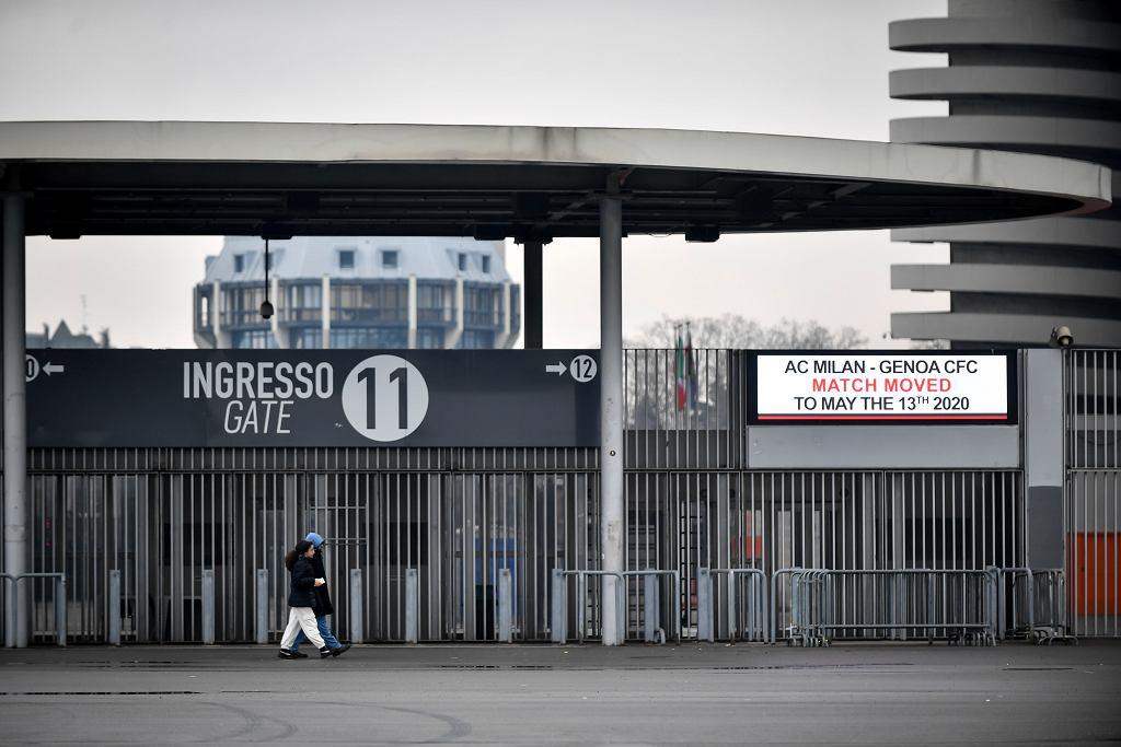 Koronawirus we Włoszech. Przełożony na maj mecz AC Milan - Genua. Stadion San Siro w Mediolanie, 1 marca 2020 r.