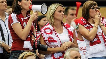 W czasie mistrzostw Europy siatkarzy, które do środy odbywały się w Trójmieście, każda reprezentacja miała swoich fanów i fanki. Oto piękniejsza strona Euro siatkarzy - zdjęcia z trybun Ergo Areny i hali w Gdyni.