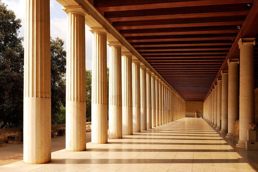 Grecja zabytki - antyczna Stoa, Agora, Ateny / Shutterstock