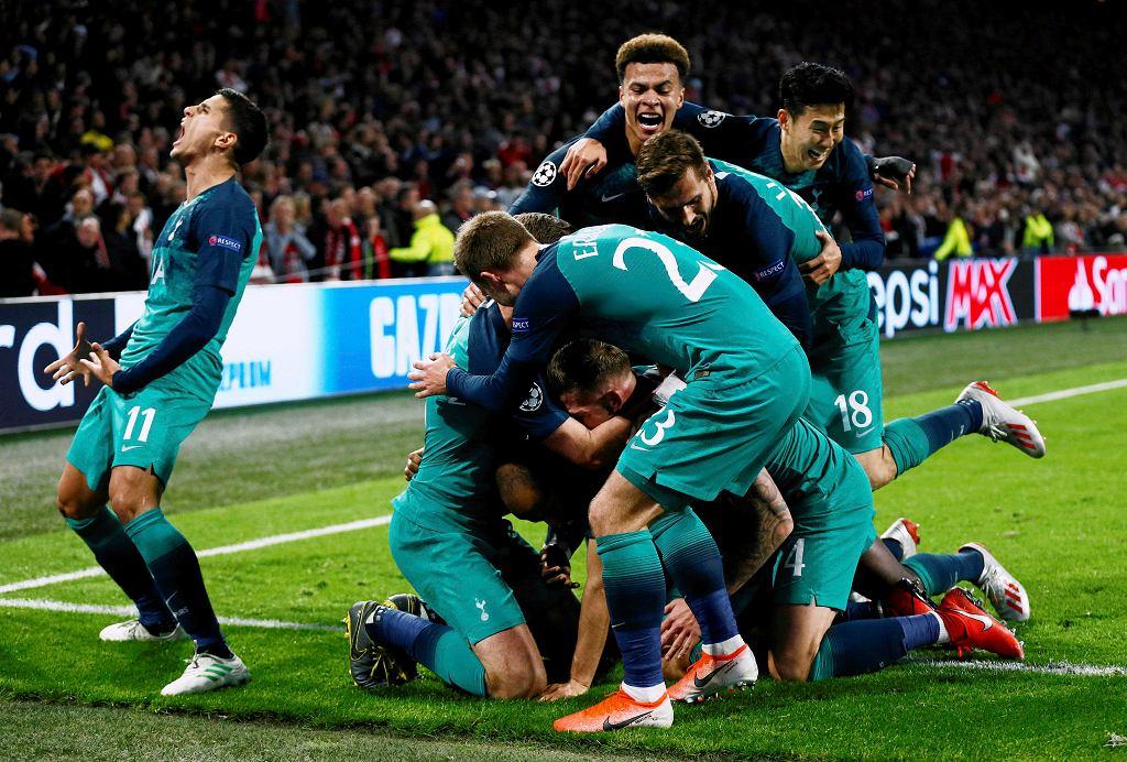Półfinał Ligi Mistrzów: Ajax - Tottenham 2:3. Euforia piłkarzy Tottenhamu po strzeleniu trzeciej bramki