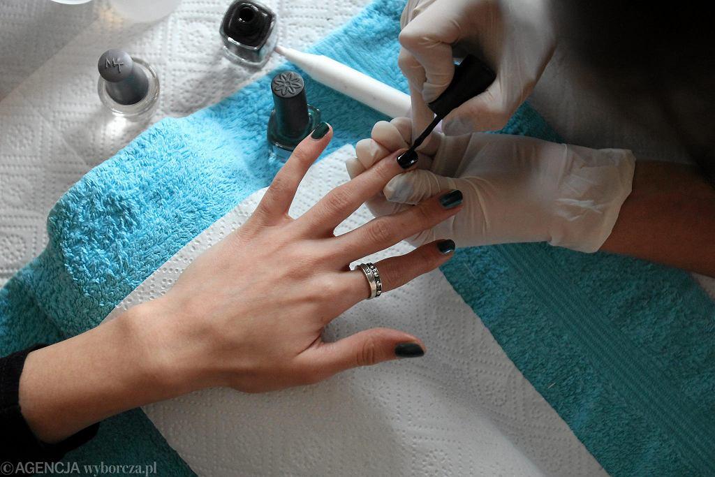 Wizyta u kosmetyczki (zdjęcie ilustracyjne)