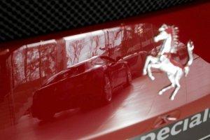 Ferrari wpadło w poślizg na giełdzie