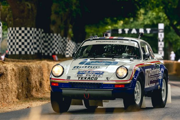 Porsche model 953, czyli czteronapędowa 911-tka, która wystartowała w Rajdzie Paryż-Dakar w 1984 roku.