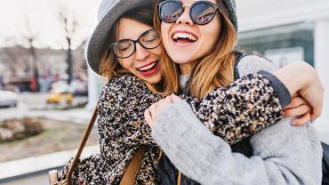 Symbole przyjaźni są bardzo różnorodne i występują pod wieloma postaciami. Zdjęcie ilustracyjne, Look Studio/shutterstock.com