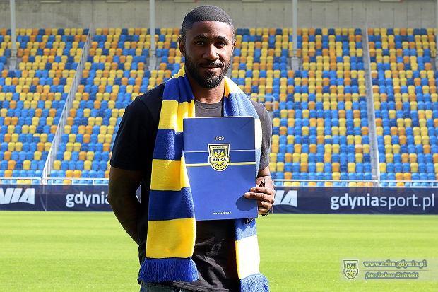 Yannick Sambea przedłużył kontrakt z Arką o rok