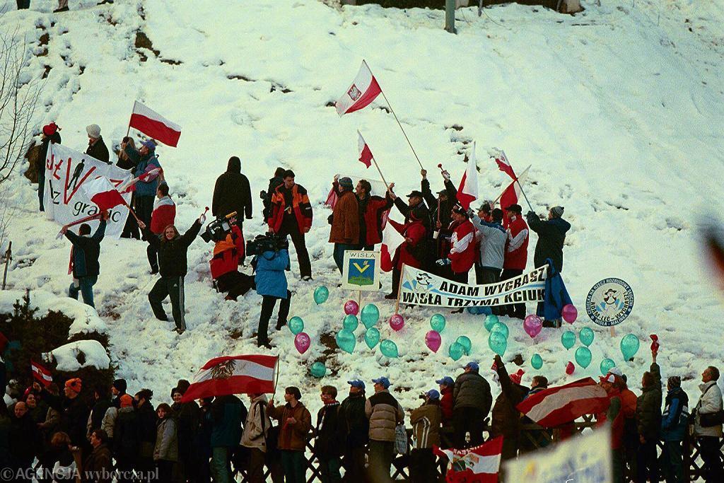 Polscy kibice na konkursie w Bischofshofen w 2001 roku
