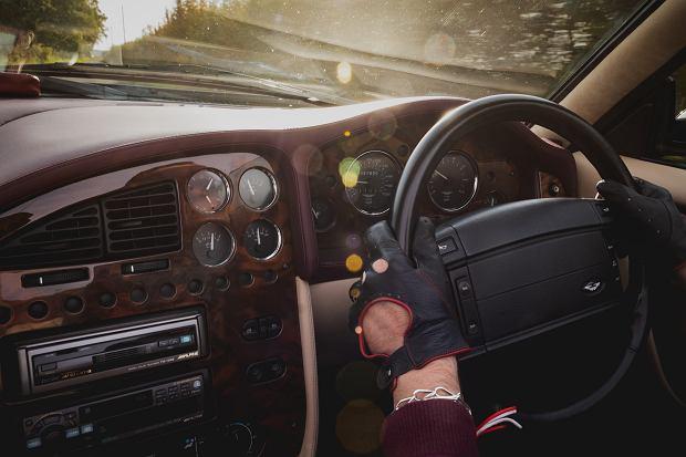 Aston Martin V8 Volante LWB