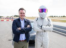 Czy The Stig z Top Gear mówi? Przekonał się o tym Tomasz Korniejew z Moto.pl podczas nietuzinkowego spotkania na torze