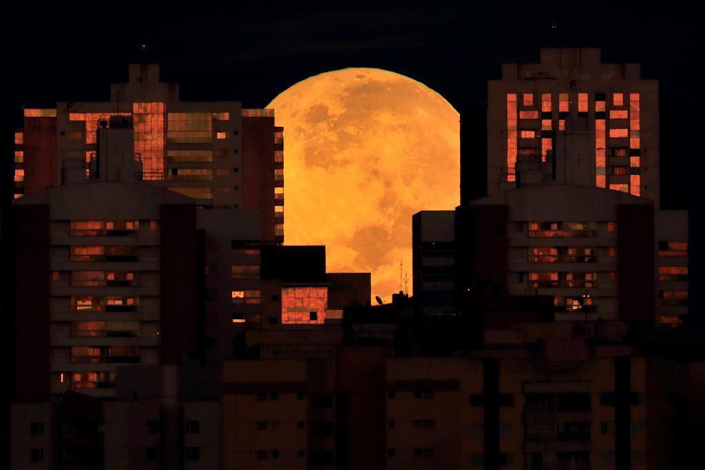 Całkowite zaćmienie Księżyca - Brazylia
