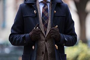 Stylowe i ciepłe płaszcze na jesień w trzech uniwersalnych kolorach