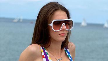 Roksana Węgiel w bikini na basenie