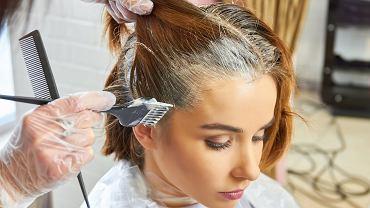 Te kolory włosów odmładzają! Jeśli planujesz zmianę fryzury, musisz to wiedzieć